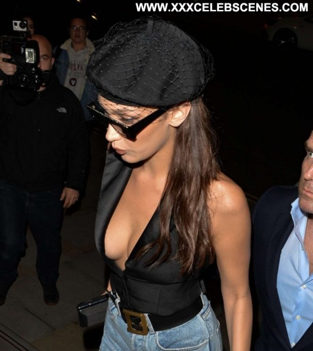 Bella Hadid No Source  Beautiful Babe Paparazzi Posing Hot Celebrity