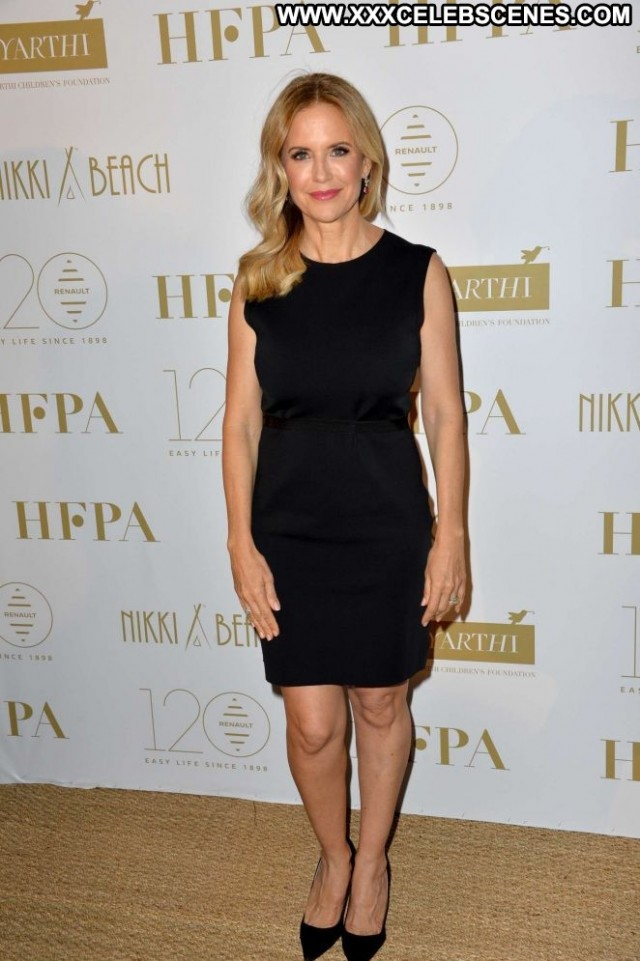 Kelly Preston Cannes Film Festival Posing Hot Beautiful Paparazzi