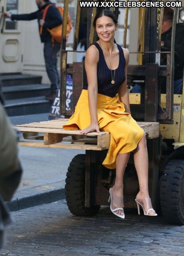 Photos No Source Photoshoot Posing Hot Celebrity Babe Beautiful Skirt