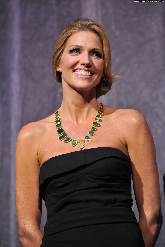 Tricia Helfer The Red Carpet  Beautiful Babe Red Carpet Celebrity