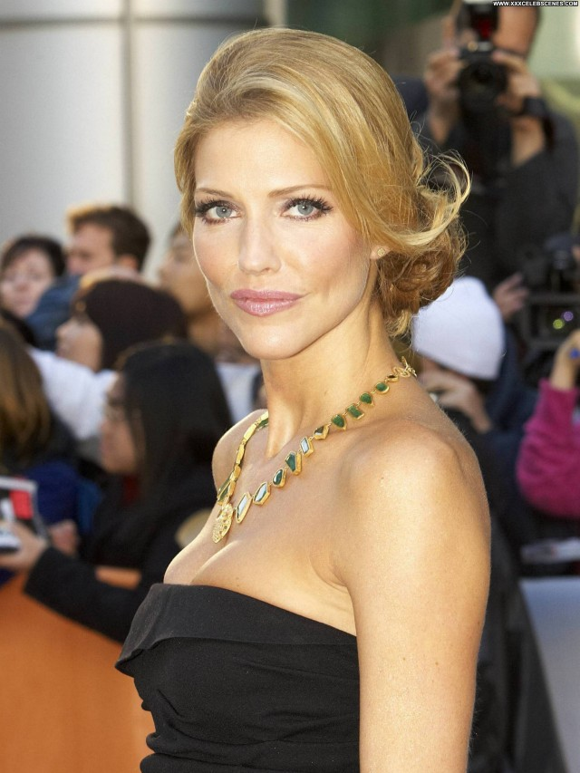Tricia Helfer The Red Carpet Actress Beautiful International Red
