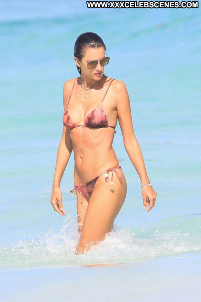 Bikini The Beach Bikini Beautiful Posing Hot Paparazzi Babe Celebrity