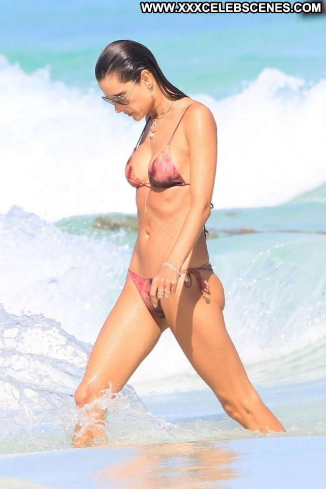 Bikini The Beach Paparazzi Babe Celebrity Beach Beautiful Posing Hot