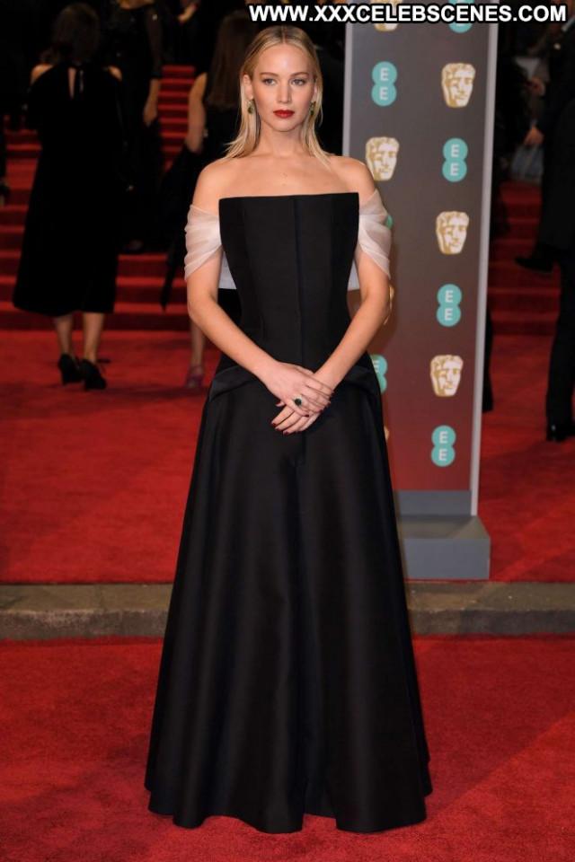 Jennifer Lawrence No Source Posing Hot Paparazzi Awards Babe London