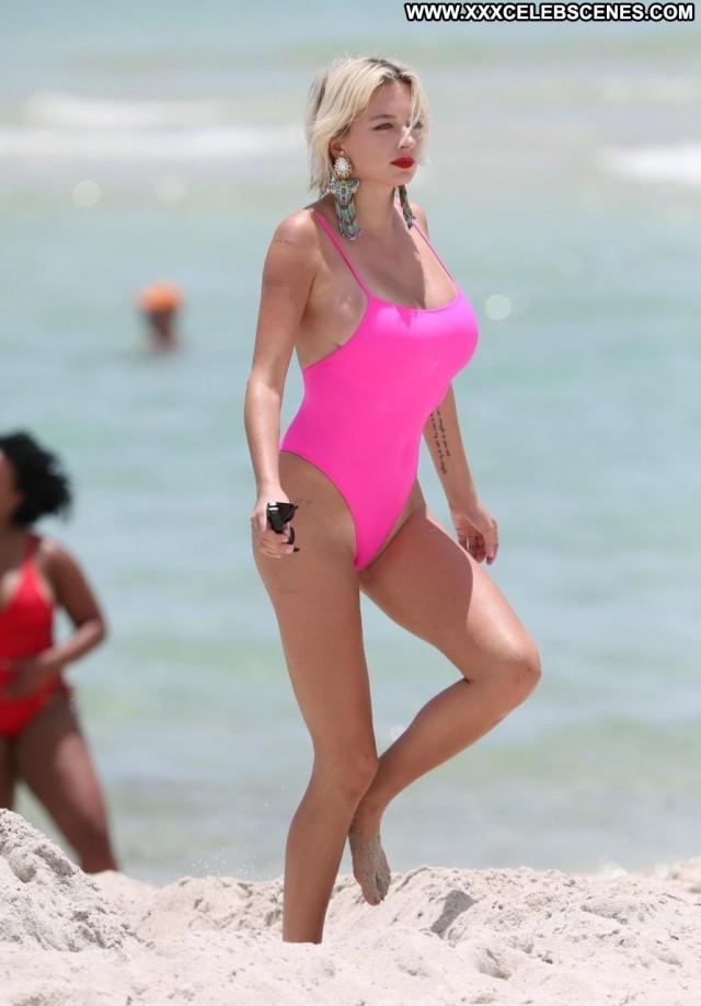 Caroline Vreeland The Beach Actress Babe Beach Swimsuit Celebrity
