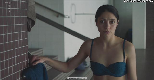 Pegah Ferydoni Die Defekte Katze Topless Main.exoclick Posing Hot