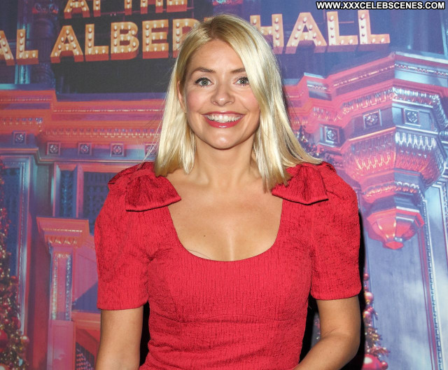 Holly Willoughby No Source Posing Hot Babe Celebrity Sexy Beautiful