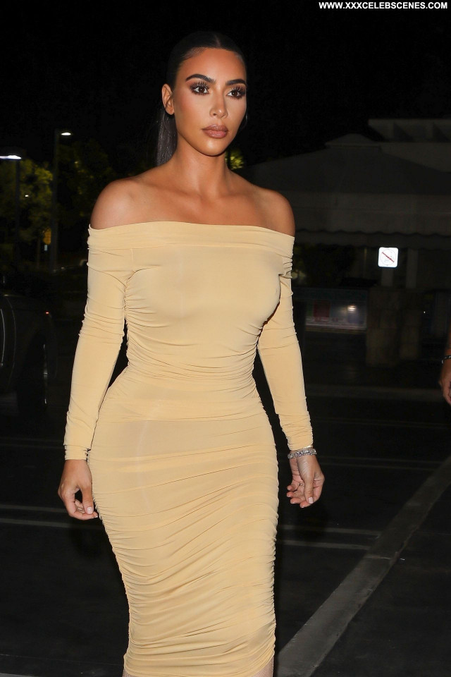 Kim Kardashian No Source Babe Beautiful Sexy Posing Hot Celebrity