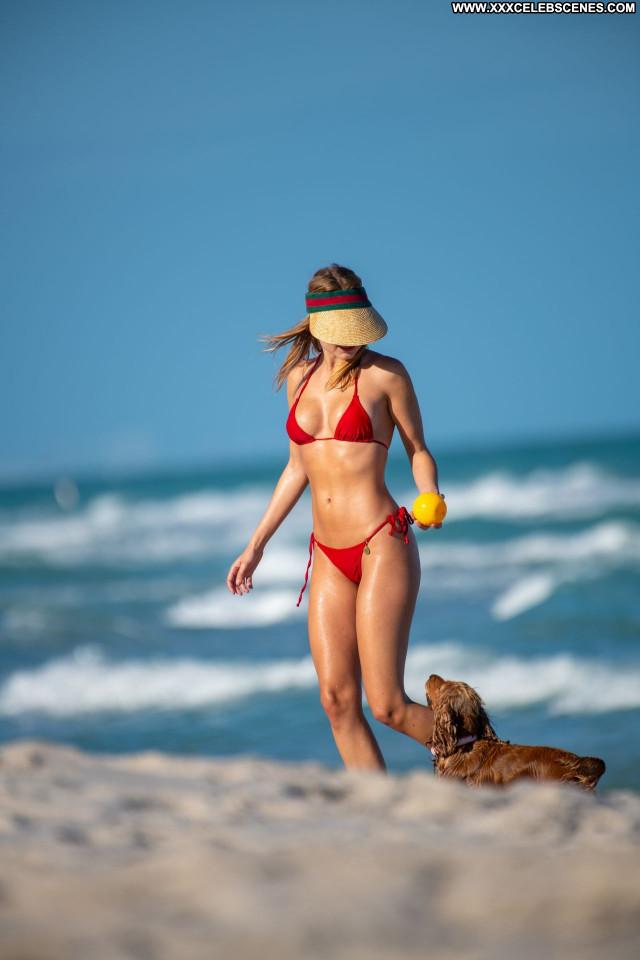 Kimberley Garner No Source Posing Hot Babe Sexy Celebrity Beautiful