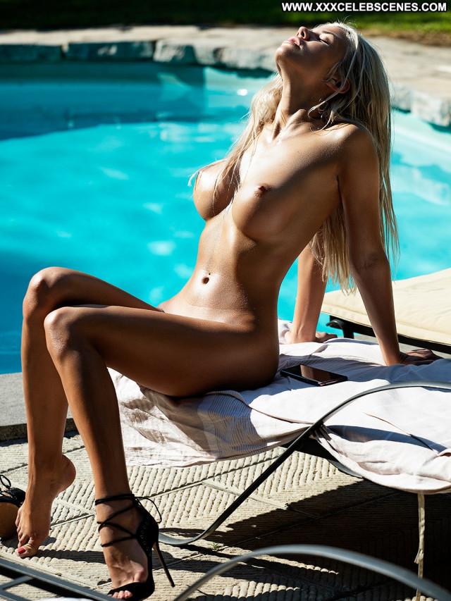 Nude hot babes Impressive Babes