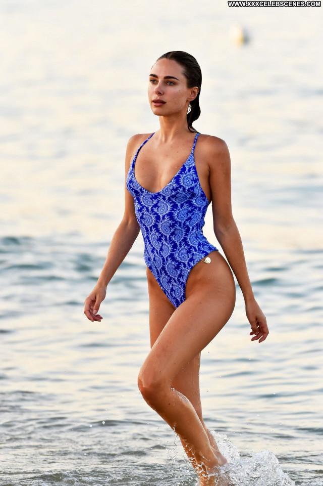 Kimberley Garner No Source Beautiful Sexy Babe Posing Hot Celebrity