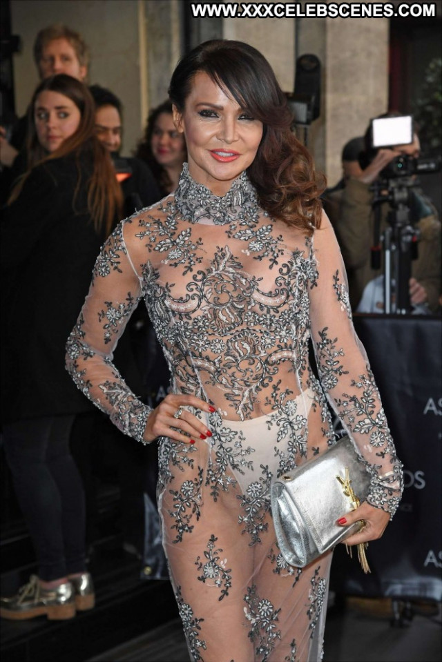 Lizzie Cundy No Source  Celebrity London Awards Beautiful Babe Posing