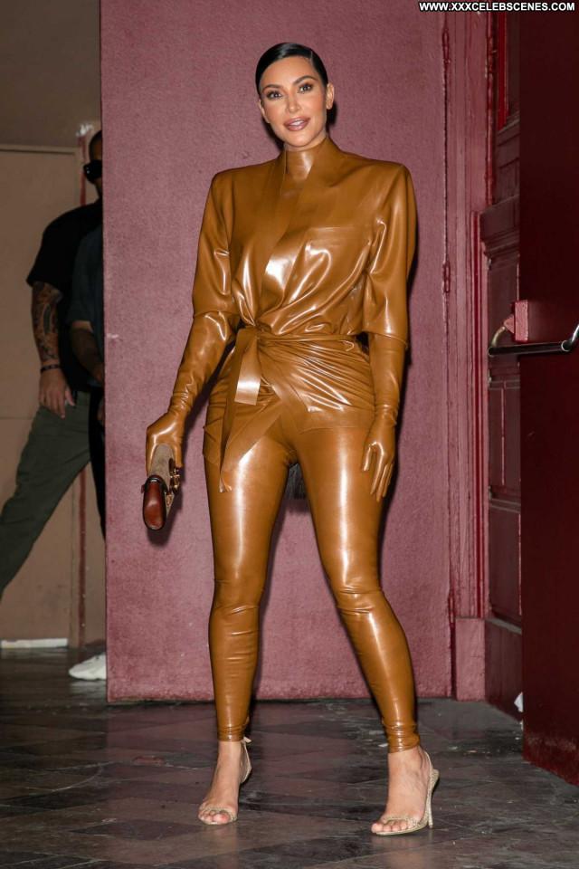 Kim Kardashian No Source Beautiful Celebrity Babe Paparazzi Posing Hot