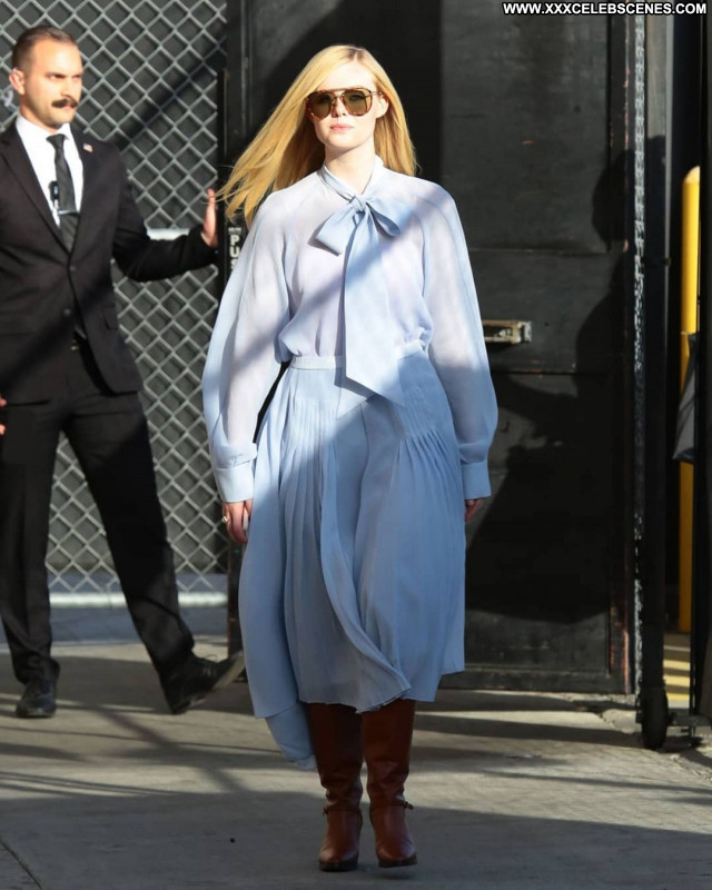 Elle Fanning No Source Babe Posing Hot Celebrity Beautiful Sexy