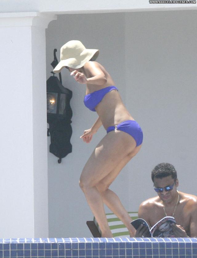 Tyra Banks No Source Posing Hot Paparazzi Candid Celebrity Mexico