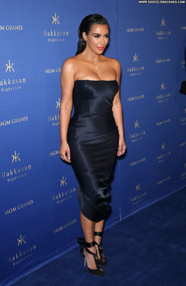 Kim Kardashian Nightclub In Las Vegas Posing Hot Celebrity Beautiful