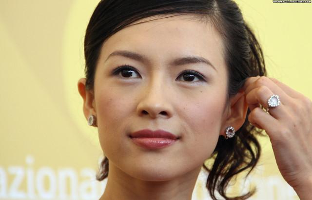 Zhang Ziyi No Source Asian Posing Hot Babe Celebrity Beautiful