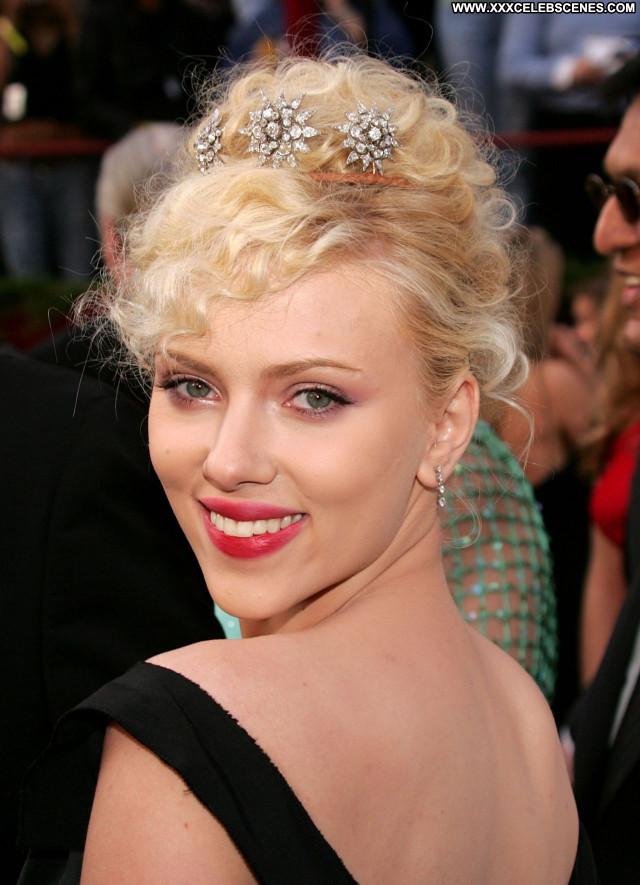 Scarlett Johansson No Source Posing Hot Celebrity Sexy Babe Beautiful
