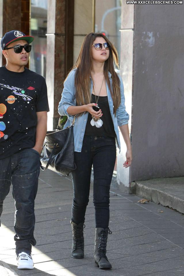 Selena Gomez No Source  Celebrity Paparazzi Shopping Babe Beach