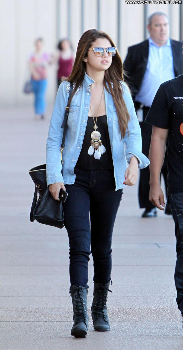 Selena Gomez No Source Celebrity Babe Posing Hot Beach Paparazzi