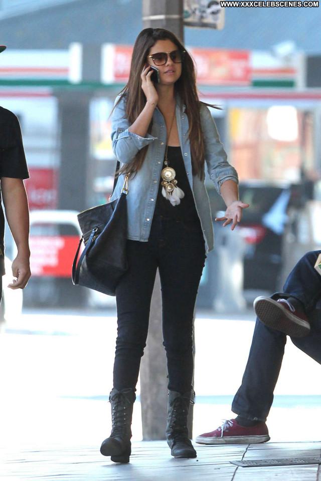 Selena Gomez No Source Beautiful Celebrity Beach Paparazzi Posing Hot