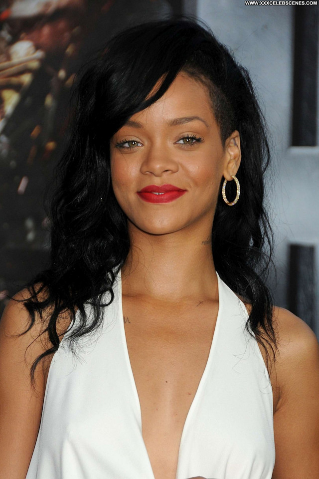 Rihanna No Source Babe Celebrity Beautiful Posing Hot Paparazzi