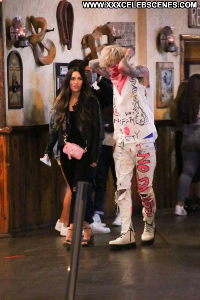 Taylor Momsen No Source Beautiful Paparazzi Mom Bar Celebrity Posing