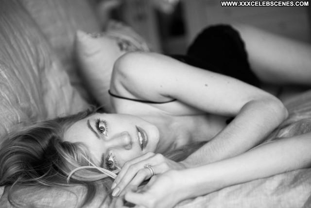 Photos No Source Photoshoot Beautiful Posing Hot Celebrity Paparazzi