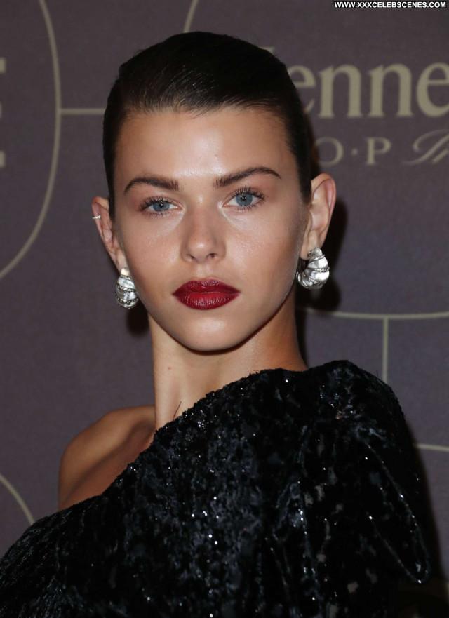 Georgia Fowler No Source  Paparazzi Celebrity Babe Beautiful Posing
