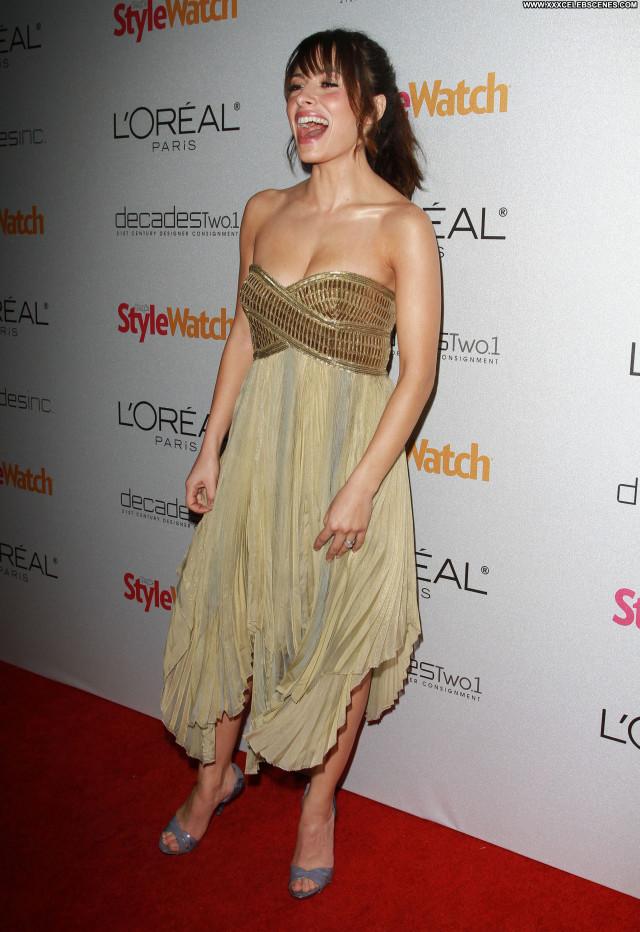 Sarah Shahi Red Carpet Celebrity Babe Beautiful Posing Hot Red Carpet