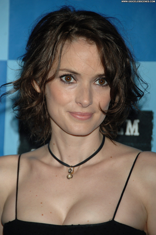 Winona Ryder No Source Posing Hot Celebrity Beautiful Babe Doll