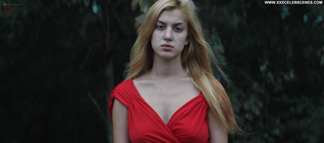 Emilie Dhir Burning Kentucky Celebrity Hd Busty Babe Posing Hot Nude